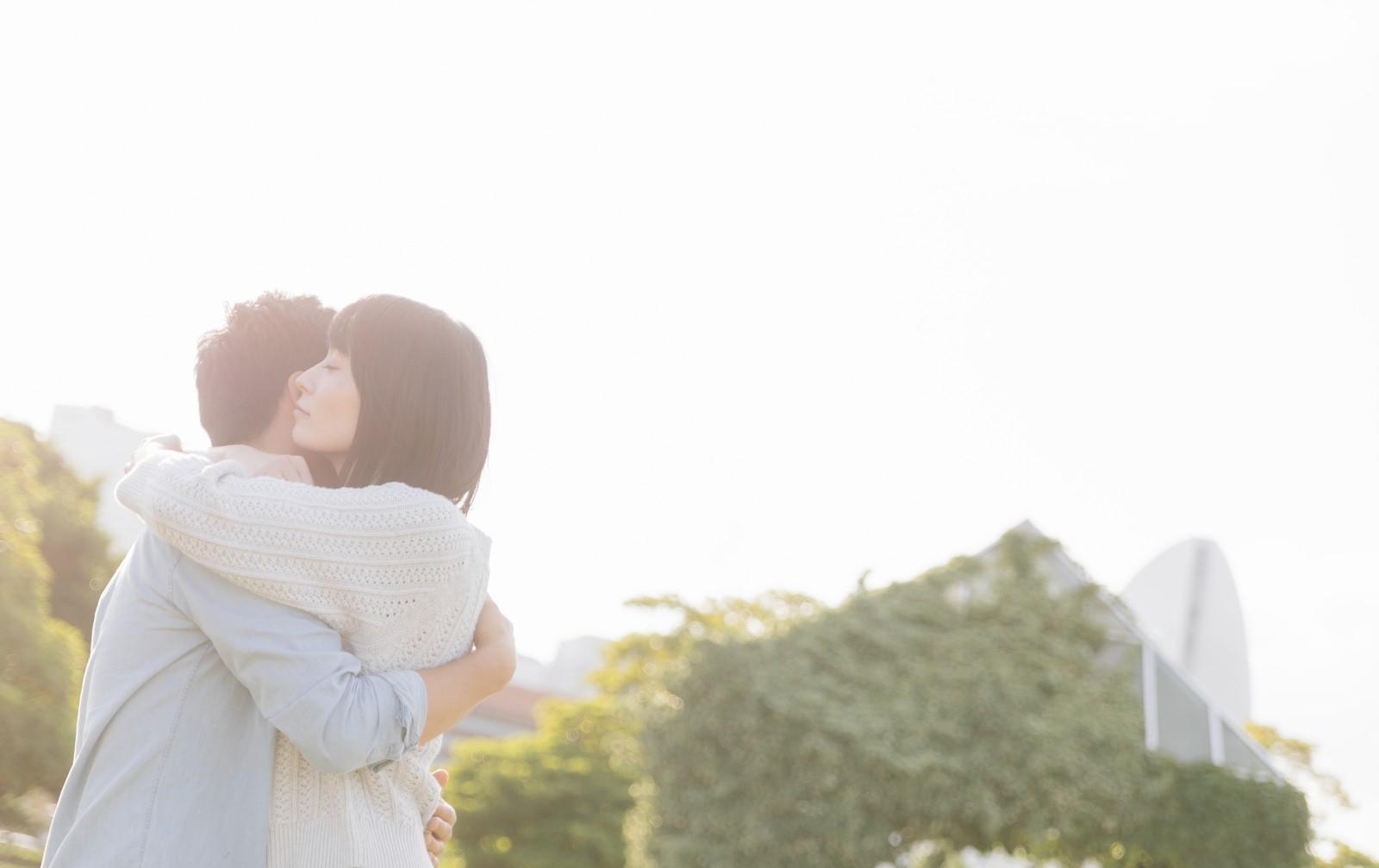 恋愛依存症の女性から男性が逃げる理由とは?美人なのに男性が逃げ出す恋愛依存症の特徴